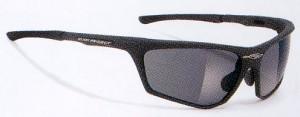 メガネを掛けている小顔の方や女性向きの偏光調光スポーツ用サングラス度付きです。