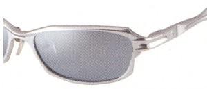 偏光レンズは眼を疲れさせない優しい光に変わるレンズです。