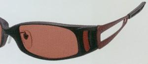 高性能偏光フィルターを仕様することで快適な視界を得る偏光サングラスが出来上がります。