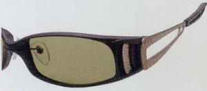 偏光レンズ本来の性能へのこだわりは偏光フィルターによってかわります。