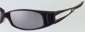 メガネと同じように偏光サングラスでも大切なのは、レンズです。
