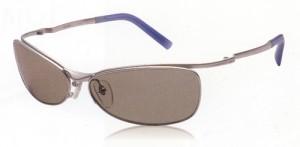 偏光サングラスは、ギラツキを抑え、視界をスッキリさせるサングラスです。