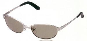 まぶしさを抑えるスポーツサングラスのレンズ理想は偏光レンズです。