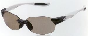 軽さ、遮光性、通気性という要素を備えた偏光サングラスをご提案いたします。