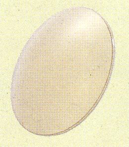 高性能偏光フィルターを使用し、最終仕上げまでの全工程の60%以上を手作りの偏光レンズ。