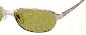 視界がより明るく鮮明に感じる、まぶしさを抑える偏光レンズはサングラスの理想です。