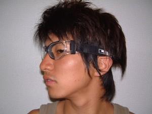 サッカーどきにおける目の怪我を予防する保護めがねゴーグルのご提案