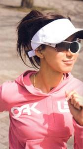 スポーツサングラスは機能を「重視、ファッションを重視によって選ぶサングラスが違います。