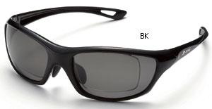 めがねを掛けている方の度付きスポーツサングラスのご提案眼鏡専門ショップ。