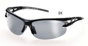 スポーツどきのサングラス選びは集中力を保てる偏光サングラスがお奨めです。