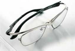 昨今の日本人のスポーツに対する興味が増す中、眼鏡を掛けている方へのスポーツグラス度付きのご提案
