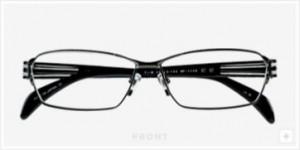 ファッショナブルなメガネデザインにスポーティさを加味したスポーツグラス度付き。