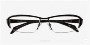 ファッショナブルなメガネデザインにスポーティさを加味したスポーツグラス度つき。