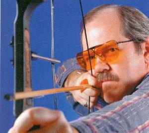 アーチェリーにおいて普段眼鏡を掛けている方に適したメガネ