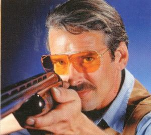 射撃において目の機能は大変重要です