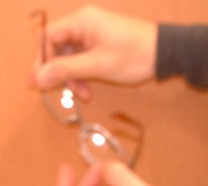自転車用花粉症対策メガネ、普段のメガネ兼用フレームに取り付け