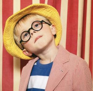子供用のファッション性豊かな普段メガネとスポーツメガネを兼用していただくご提案。