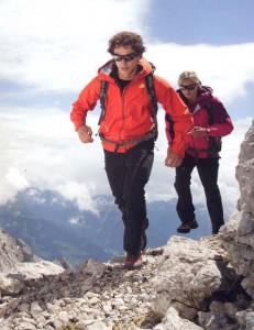 トレッキングや山登りどきの最適なメガネサングラスのご紹介