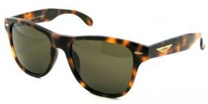 スポーツサングラスデザインをファッションとしてデザインしたポリスサングラス