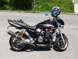 オートバイ時のメガネはヘルメットのことも考慮して掛けれるバイク用メガネのご紹介