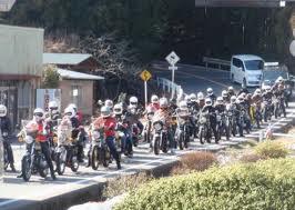 バイクどきのメガネはヘルメットのことも考慮して掛けれるバイク用メガネのご紹介