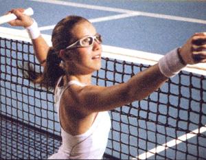 メガネを掛けている方の度入りスポーツグラスは競技によって選ぶご提案