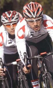 自転車サングラスメーカーもいろいろ、アディダス、スワンズ、オークリー、ルディー