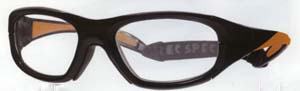 スポーツグラスゴーグル度つきはスポーツにおける眼の保護メガネにもなります。