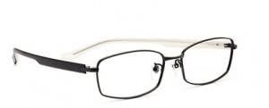 ドライブどきのメガネ、サングラス度付きの選びには偏光レンズがお薦めです。