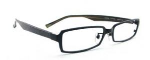 ドライブどきのメガネ、サングラス度入りの選びには偏光レンズがお薦めです。