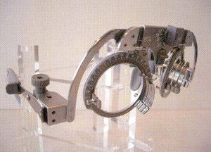 スポーツ用サングラス度付きを製作後、スポーツに欠かせない(特に球技)深視力を測定