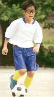 目が悪くなくてもサッカー時にかける子供用保護眼鏡