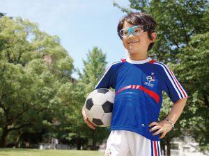 快適なサッカー子どもメガネ度付きを製作