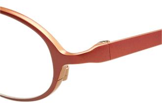 丈夫な子供用メガネ