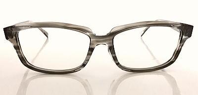 体格のいい方の眼鏡フレーム